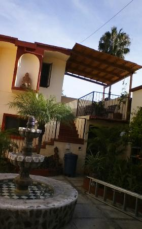 Ajijic Suites on Hidalgo: Interior Courtyard