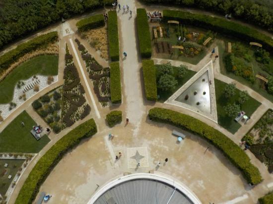 les jardins picture of le phare de chassiron saint denis d 39 oleron tripadvisor. Black Bedroom Furniture Sets. Home Design Ideas