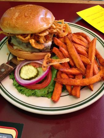Little Apple Brewing Company: Tumbleweed Burger with Sweet Potato Fries