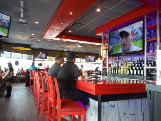 Marvelous St Louis Large Screen Tvs Picture Of St Louis Bar Pabps2019 Chair Design Images Pabps2019Com