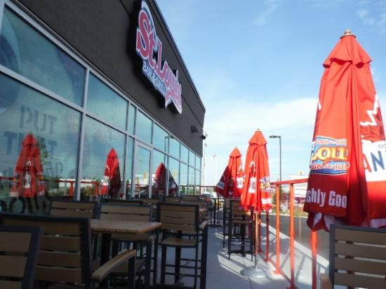 St Louis Bar And Grill: ST LOUIS OUTDOOR PATIO