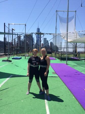 Trapeze School New York: Super view of the Freedom Tower in the background