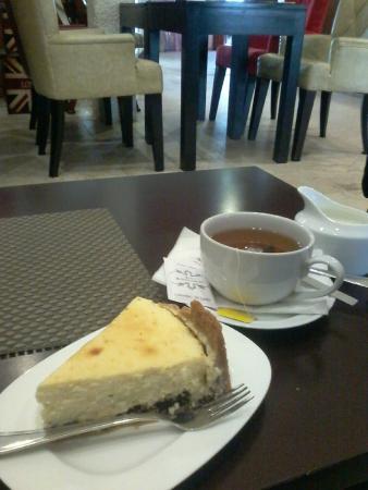The Barnesbury: チーズケーキ、紅茶