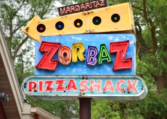 Zorbaz Pizza & Mexican Restaurant: Zorbaz Pizza and Mexican Restaurant in Detroit Lakes