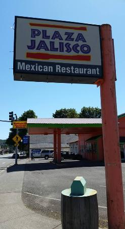 Plaza Jalisco: sign outsides claims authentic mexican food