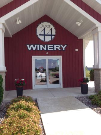 Parallel 44 Vineyard and Winery