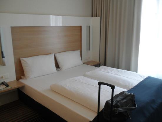 Welcome Hotel Frankfurt: Das Doppelbett
