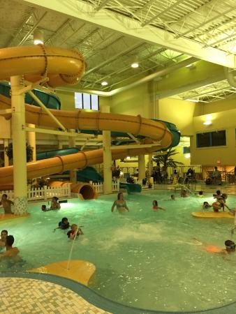 BEST WESTERN PLUS Port O'Call Hotel: Great Waterslides and Pool ...Poor Hot Tub