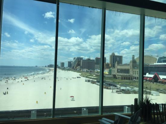 Caesars Atlantic City Casino: Vetrata con vista