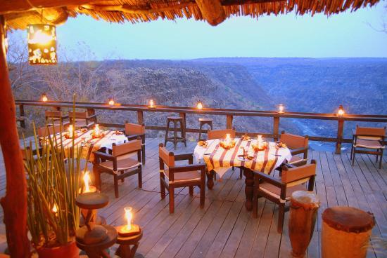 Taita Falcon Lodge: viewing deck