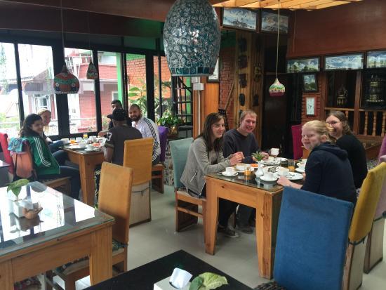 Shangri-la Boutique Hotel: Breakfast Time