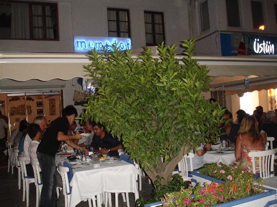 Myndos: Рыбный ресторан в порту.