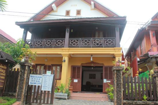 Hoxieng Guesthouse: Front of Hoxieng 2