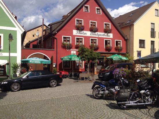 Tiroler Landgasthaus s'Besenkammerl
