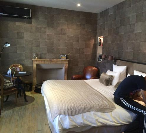 bedroom - photo de les chambres de l'imprimerie, beaune - tripadvisor