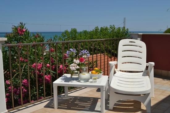 Photo of Hotel Residence Villa a Mare Rodi Garganico