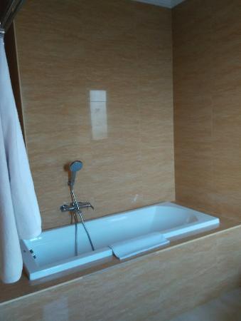 Lubdhaka Canggu Residence: Bathroom