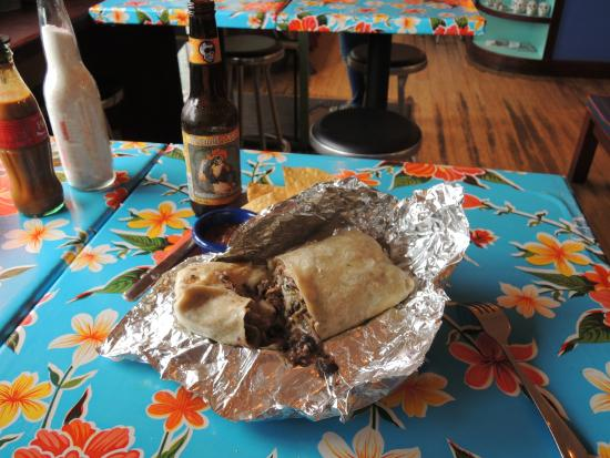 El Rayo Taqueria: Awesome burrito