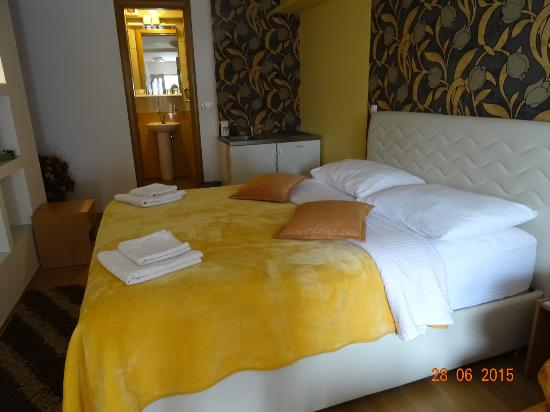 Pansion Cardak: Our Room
