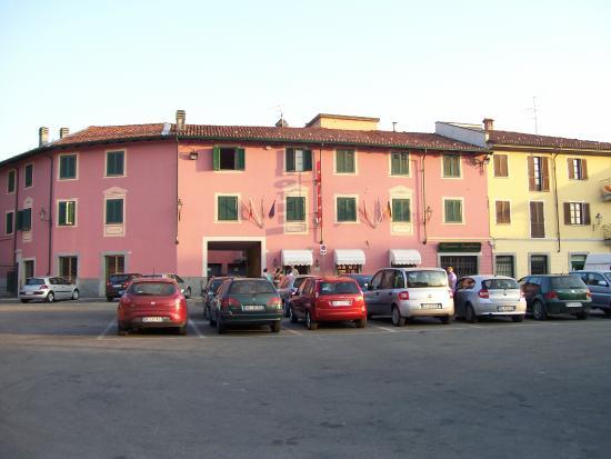 Nuovo Hotel Giardini: fachada
