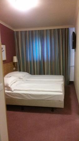 Best Western Raphael Hotel Altona: Desde la entrada
