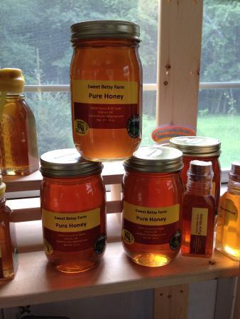 Sweet Betsy Farm: Spring Wildflower Honey