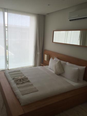Flotte værelser, rent og pænt. Dejlig pool, skønt hotel.