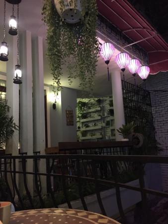 Bong Sung Vegetarian Food & Coffee: Nhà hàng chay Bông Súng