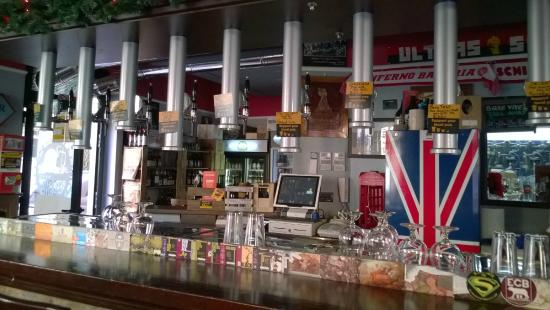 Old Spirit Authentic Football Pub: spine delle birre