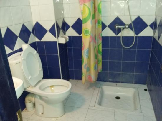 Riad Sidi Magdoul : salle de bain chambre 5