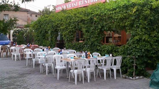 Sokakarasi Restoran