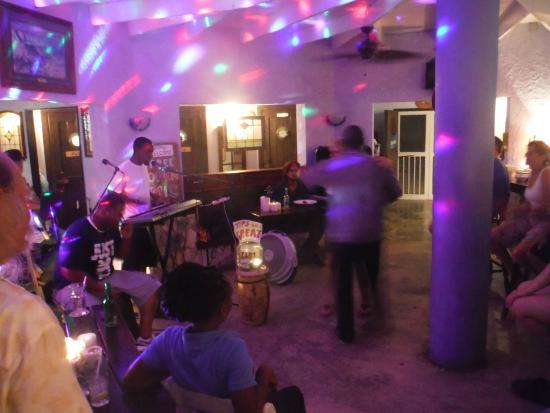 The Rainbow Inn Seafood & Steak House: Open Mic