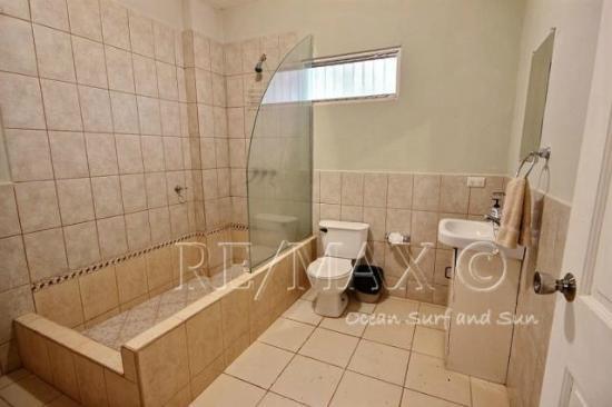 Villa Verde I Complex : Master Bathroom