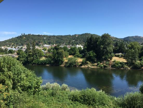 Roseburg, Орегон: River view