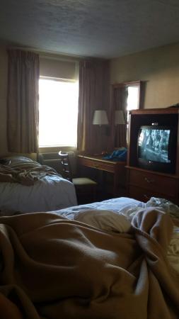 South Shore Inn: 6 person suite