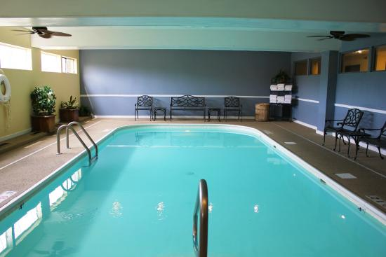 Holiday Inn Express Osage Beach - Lake of the Ozarks : Indoor Pool