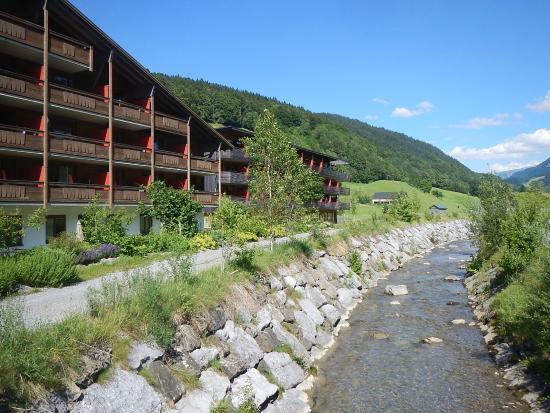 Hotel Besteht Aus Mehreren Gebauden Bild Von Gesundhotel Bad