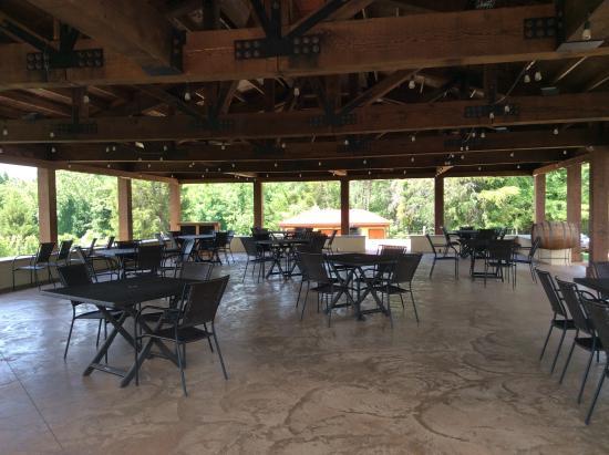 Afton Mountain Vineyards: Pavilion