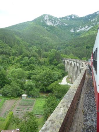 Saint-Paul-de-Fenouillet, France: Train Rouge over viaduct