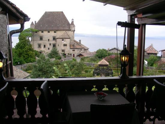 Vue sur le ch teau et le lac depuis la terrasse sup rieure for Restaurant jardin 92