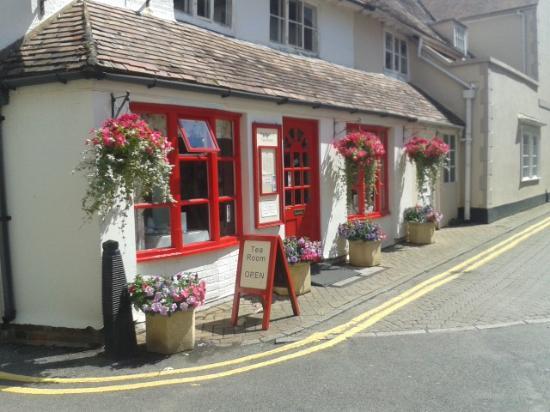 Mrs Brown's Tearoom: Outside