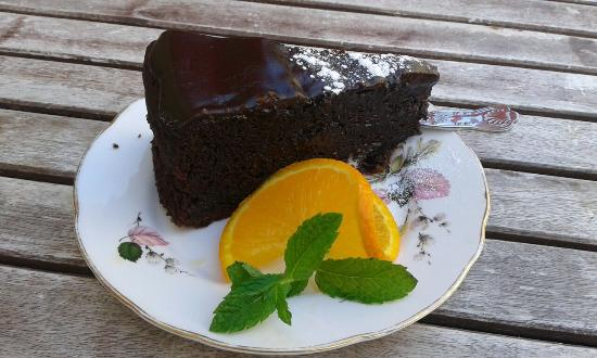 Hula Juice Bar and Gallery: Delicious Chocolate Cake