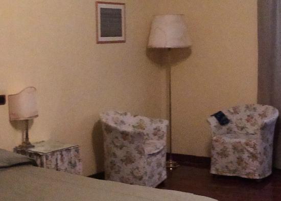 Albergo San Domenico: Le lampade 😱