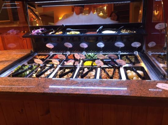 Oak Tree Farm Pub Restaurant: New salad bar!!!!