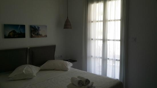 Nastasia Village Hotel : Renovated room