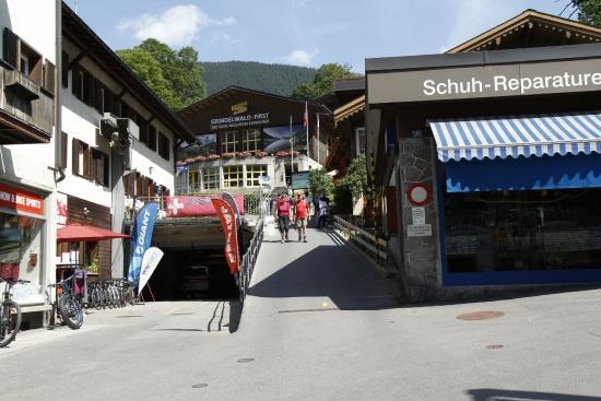 Grindelwald, Szwajcaria: The lower station