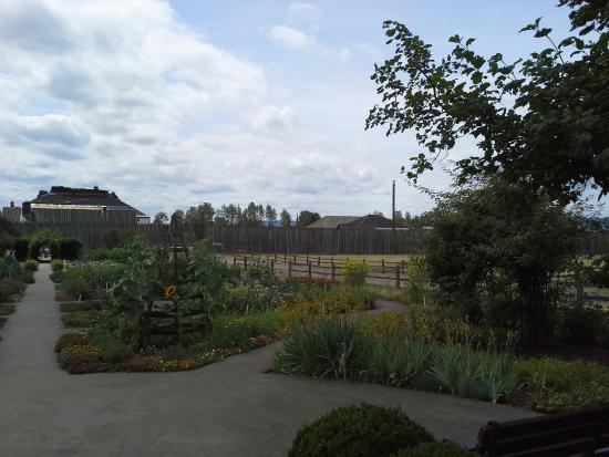 Fort Vancouver National Historic Site: Garden 1