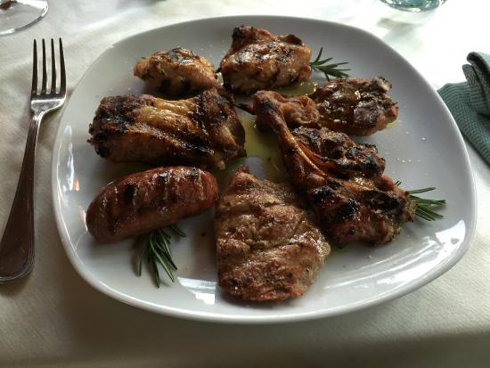 Piccolo Hotel San Valentino: Mixed grill