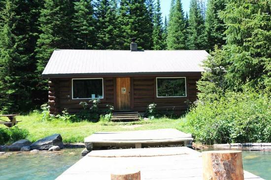 Skookumchuck, Канада: Cabin at Fish Lake