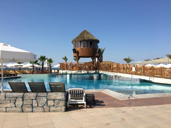 Piscine 18 ans photo de papillon belvil hotel belek for Piscine 07500